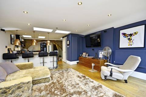 View full details for Royal Drive, Friern Barnet, N11
