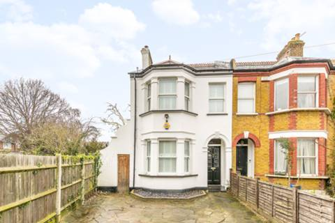 View full details for Argyle Road, Hounslow, TW3