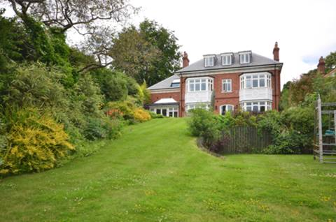 View full details for Warwicks Bench Road, Guildford, GU1