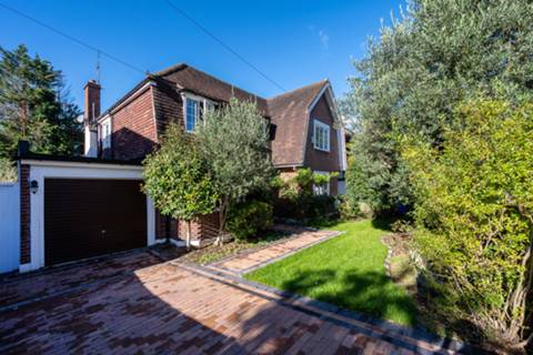 View full details for Barham Road, Wimbledon, SW20