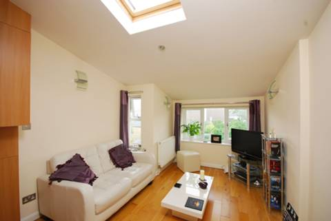 View full details for Queens Road, Teddington, TW11