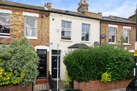 View full details for Hugon Road, South Park, SW6