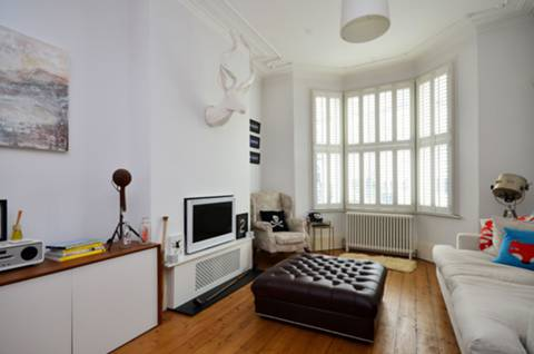 View full details for Forthbridge Road, Clapham Common North Side, SW11