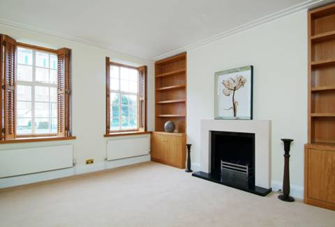 View full details for Richmond Hill, Richmond Hill, TW10