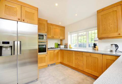 View full details for Priorsfield Road, Godalming, GU7