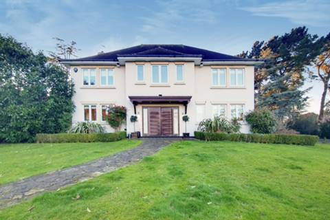 View full details for Coombe Ridings, Coombe, KT2