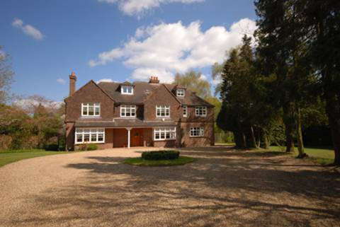 View full details for Boughton Hall Avenue, Burntcommon, GU23