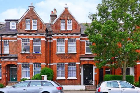 View full details for Ritherdon Road, Tooting Bec, SW17