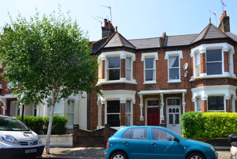 View full details for Tregarvon Road, Clapham Common North Side, SW11