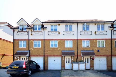 View full details for Marryat Close, Hounslow, TW4