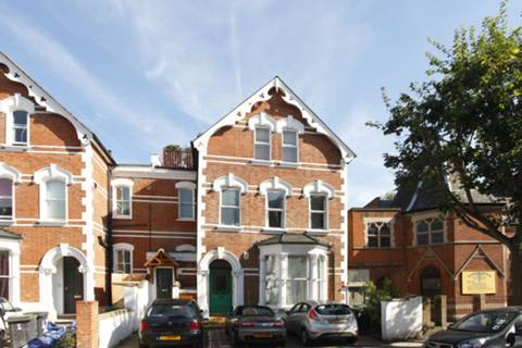 View full details for Stapleton Hall Road, Stroud Green, N4