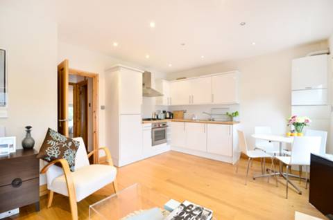 View full details for Woodstock Road, Stroud Green, N4