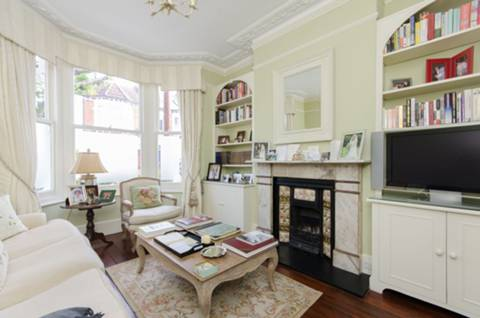 View full details for Hartismere Road, Fulham Broadway, SW6