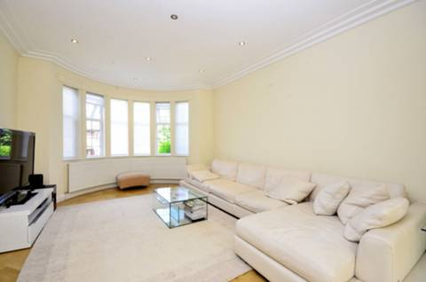View full details for Highview Gardens, Finchley, N3