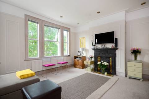 View full details for Carlisle Road, Queen's Park, NW6