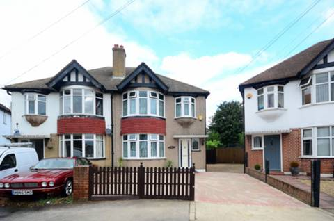 View full details for Heddon Close, Isleworth, TW7