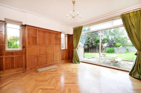 View full details for Armitage Road, Golders Green, NW11