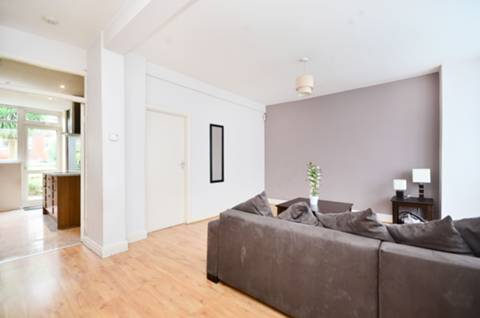 View full details for Tottenhall Road, Palmers Green, N13