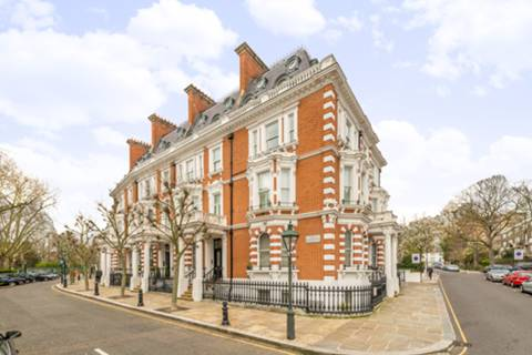 View full details for Observatory Gardens, Kensington, W8