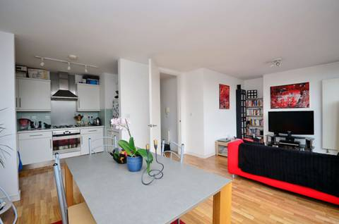 View full details for Seven Sisters Road, Finsbury Park, N7