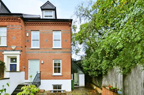 View full details for Platts Lane, Hampstead, NW3