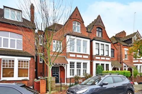 View full details for Fairlawn Avenue, Chiswick, W4