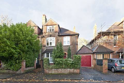 View full details for Dryden Road, Bush Hill Park, EN1