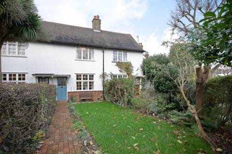 View full details for Fowlers Walk, Pitshanger Lane, W5