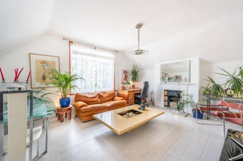 View full details for Grove Road, Willesden Green, NW2