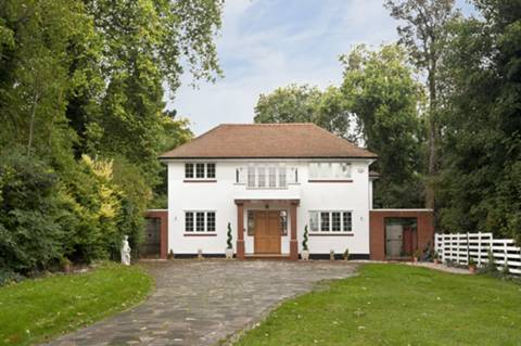 View full details for Bush Hill, Grange Park, N21
