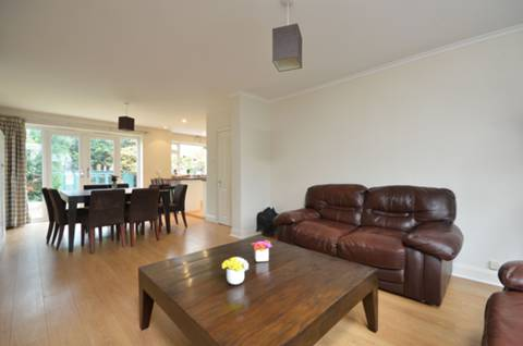 View full details for Derwent Avenue, Kingston Hill, SW15