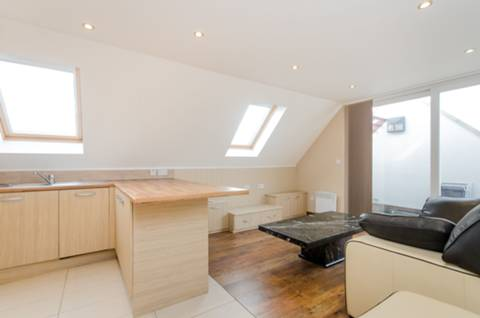 View full details for Ritherdon Road, Balham, SW17