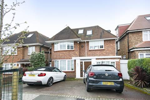 View full details for Dorchester Gardens, Hampstead Garden Suburb, NW11
