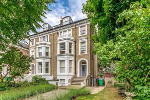 View full details for Cambridge Park, East Twickenham, TW1