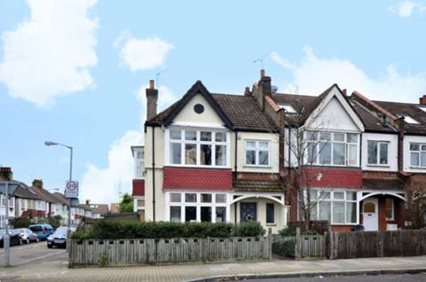 View full details for Burntwood Lane, Wandsworth Common, SW17