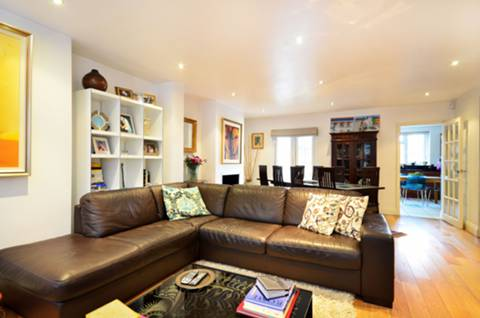 View full details for Petersham Road, Ham, TW10