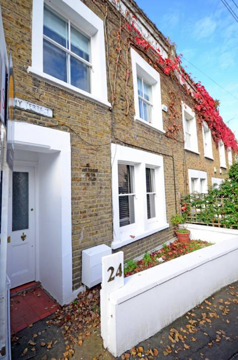View full details for Albany Passage, Richmond, TW10