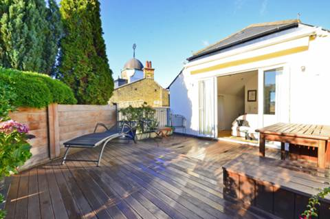 View full details for Standen Road, Southfields, SW18