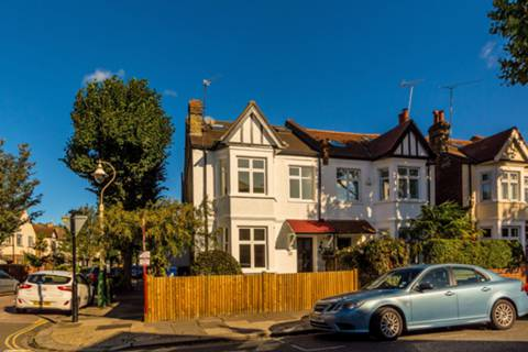 View full details for Dorset Road, South Ealing, W5