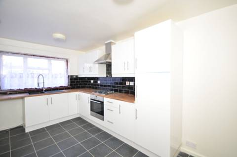 View full details for Thornbury Close, Stoke Newington, N16