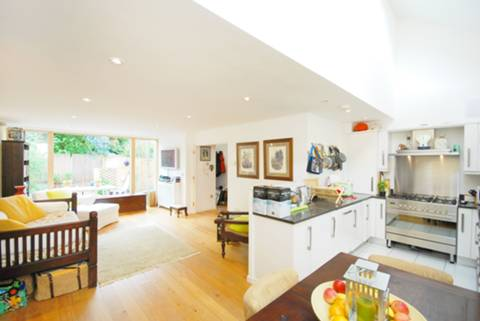 View full details for Ellacott Mews, Streatham Hill, SW16