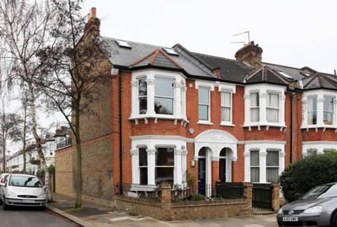 View full details for Wolseley Gardens, Grove Park, W4