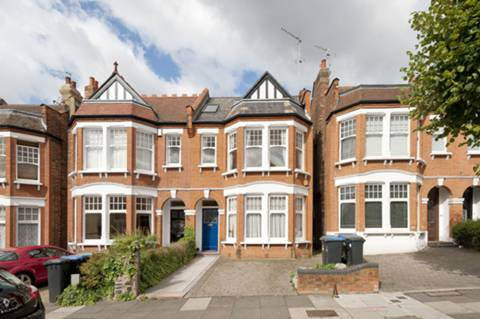 View full details for Lakeside Road, Palmers Green, N13