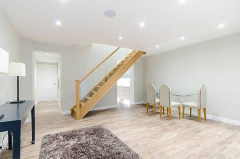 View full details for Bridge Road, East Molesey, KT8
