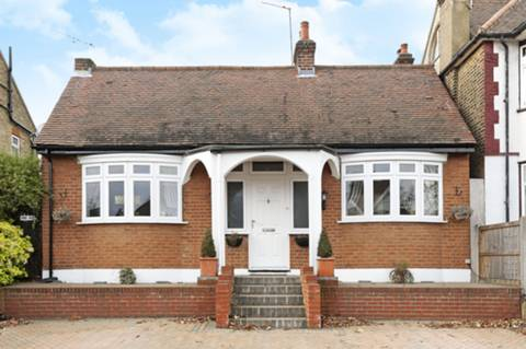 View full details for The Orchard, Winchmore Hill, N21