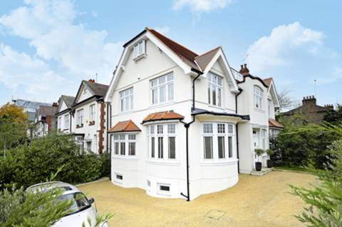 View full details for Creighton Avenue, Muswell Hill, N10