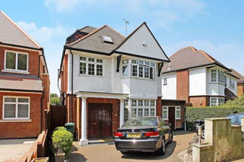 View full details for Cranbourne Gardens, Temple Fortune, NW11