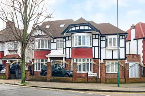 View full details for Park Avenue North, Willesden, NW10