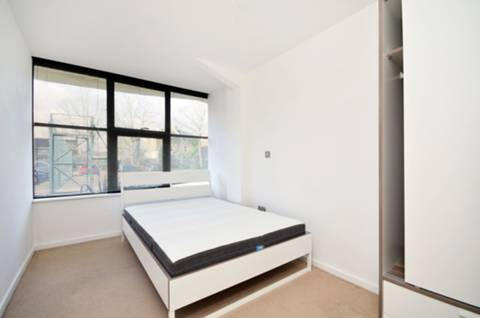 View full details for Frobisher Place, Peckham, SE15