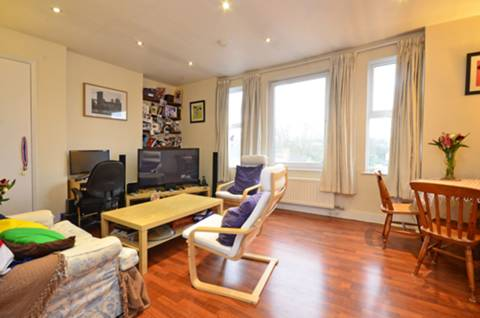 View full details for Garratt Lane, Earlsfield, SW17